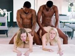 Dos rubias Anya Olsen y cadencia Lux y dos hombres negros con pollas negras