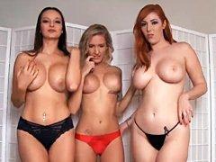 Tres mujeres calientes se unen para ofrecer la mamada más caliente