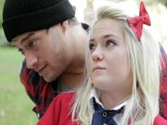 Chloe Foster – Anal a Colegiala en el Parque