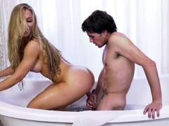 Bangbros – La hora del baño con Nicole Aniston