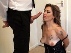 Madura puta inglesa nalgadas y duro follada después de ser mamada