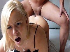 Rubia tetona alemana obtiene gran polla en anal